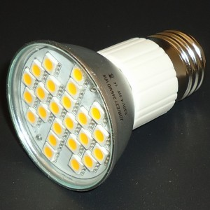 Z497 - E27 24 POWER LED SMD 5050 4,5W 380LM 230V  B. NATURALNA 5000K IP44 z osłoną z alu radiatorem