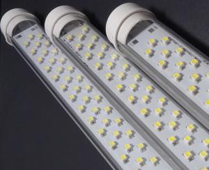 Z069 - Świetlówka LED 60cm T8 10W 920LM 230V B.CIEPŁA 3100K