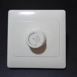 Z172 - Ściemniacz do żarówek ściemnianych 1x3W ręczny z pokrętłem regulacja 0-100% co 10%