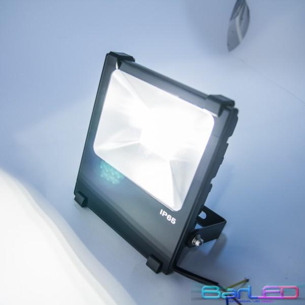 Naświetlacz ( reflektor ) 20W 10 CREE XBD HIGH POWER LED 2000LM odp. 200W 230V 3000K/4500K 120 stopni